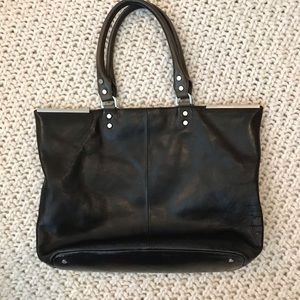 Kenneth Cole Black shoulder Bag😍